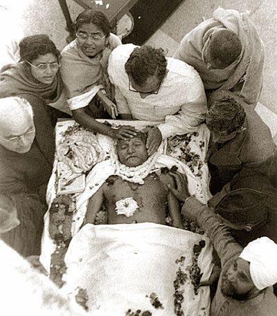 Mahatma Gandhi on dead bed