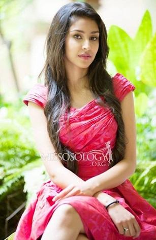 Navneet Kaur Dhillon wins Miss Multimedia Award at Miss ...
