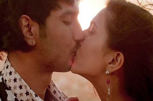 Parineeti chopra hot kiss