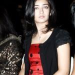 Kamal Haasan's daughter Akshara Haasan to make Acting Debut opposite Dhanush