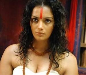 Shweta Menon looking Hot