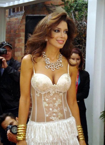 Sahar-Biniaz-in-a-Hot-Sexy-Outfit.jpg