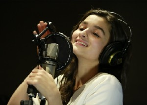 Alia Bhatt Singing Sooha Saha for Highway
