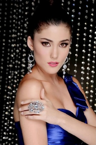 Miss Mexico Daniela Alvarez in Hot Photoshoot