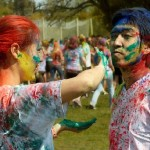 Follow these Tips if you want a Stress-free and Healthy Holi