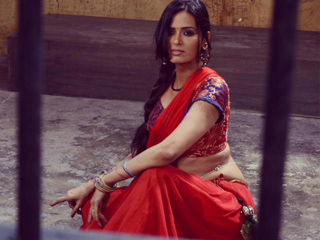 Meenakshi Dixit as a Prostitute in P se PM Tak
