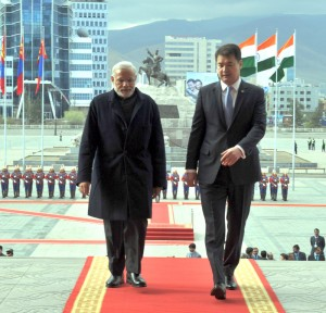 Prime Minister Narendra Modi in Mongolia along with his counterpart Chimed Saikhanbileg.