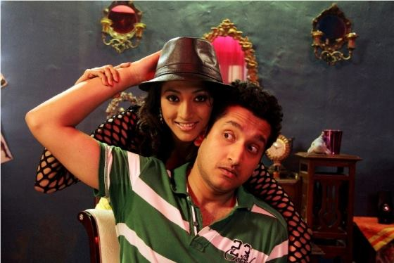 Paoli Dam and Parambrata Chatterjee in Yaara Sili Sili Movie