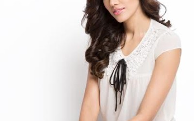 Sonnalli Seygall debuted with Pyaar Ka Punchnama, directed by Luv Ranjan